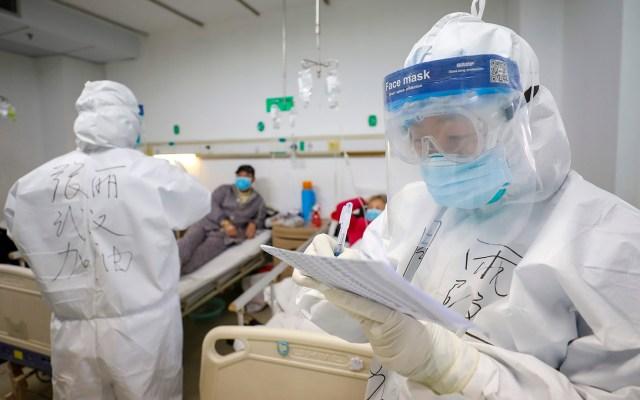 Suman 2 mil 236 muertos por Covid-19 en China - Atención médica por Covid-19. Foto de EFE