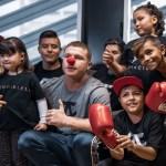 'Canelo' Álvarez ayuda a niños con cáncer en compra de medicamentos