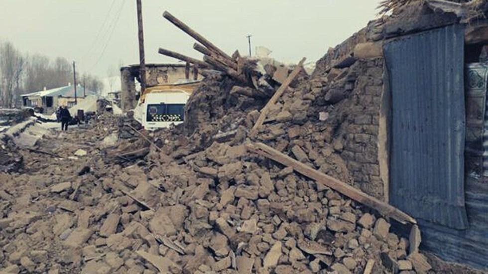 Sismo de magnitud 5.7 deja nueve muertos en Turquía - Daños en Turquía por sismo con epicentro en Irán. Foto de @bilaltinar