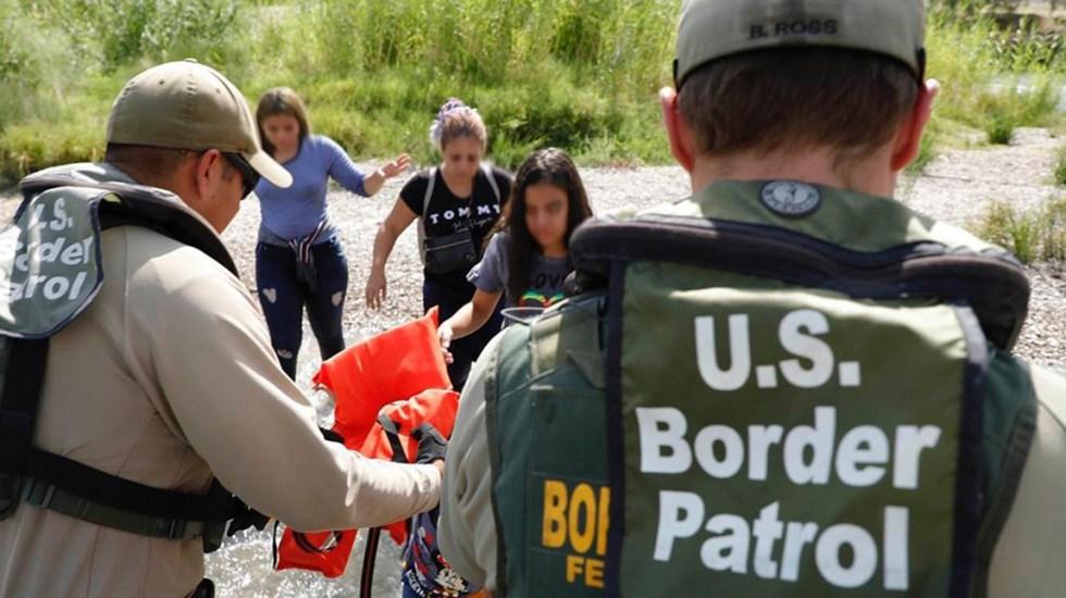 EE.UU. extiende declaratoria de emergencia nacional en la frontera sur - Detención de migrantes indocumentados en EE.UU. Foto de @cbpgov