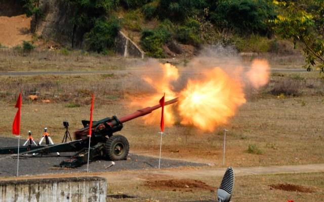 Ejército indio realiza pruebas de armas en Jabalpur - Ejército indio realiza pruebas de armas en Jabalpur