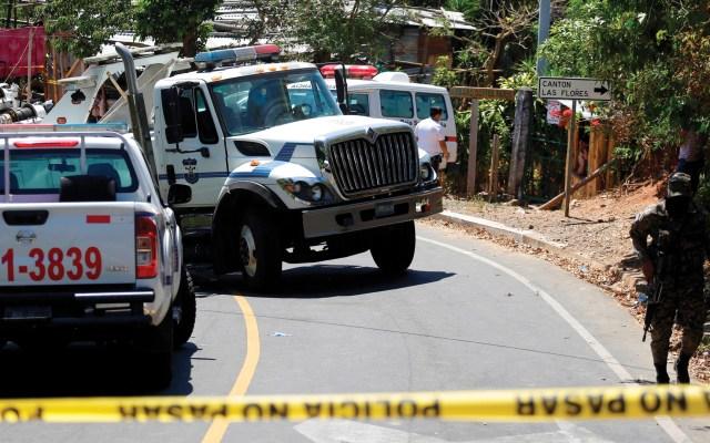 Aumenta a siete el número de muertos por accidente de autobús en El Salvador - Foto de EFE