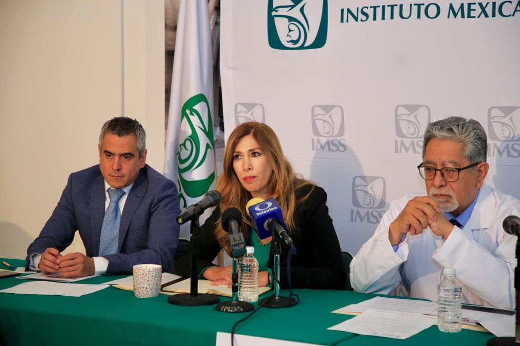 Funcionarios del IMSS en conferencia de prensa. Foto de IMSS.