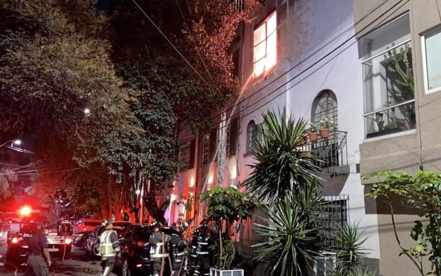 Bomberos sofocan incendio en casa de la colonia Hipódromo - Bomberos sofocan incendio en casa de la colonia Hipódromo