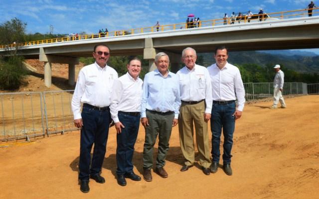 AMLO y Aispuro entregan puente Sahuatenipa, en Durango