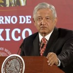"""AMLO arremete contra WSJ: """"No soy Santa Anna ni Porfirio Díaz"""""""
