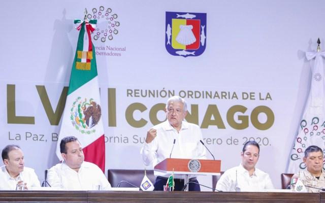 Conago pide homologar tipo penal de feminicidio; AMLO reconoce la 'buena propuesta' - López Obrador en reunión de la Conago. Foto de @fgcabezadevaca