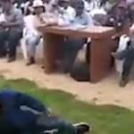 #Video Mujer castiga a su hijo con latigazos tras robo de celular