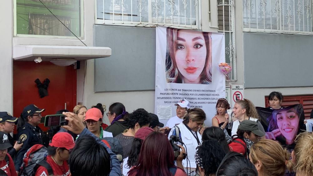 Marchan en honor a Ingrid Escamilla en la CDMX - Foto de @DaMeLUNA