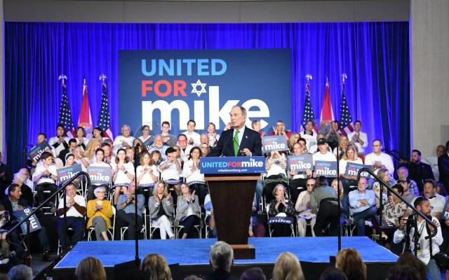 Trump acusa a Michael Bloomberg de 'amañar' las primarias contra Sanders - Foto de @MikeBloomberg