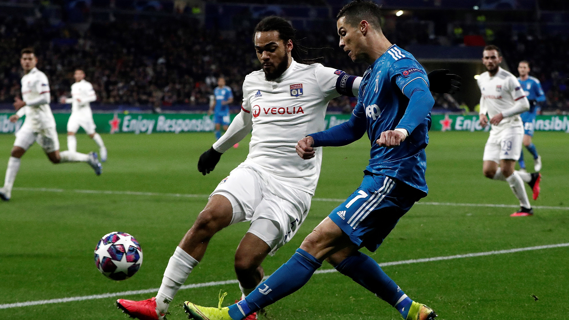 Olympique de Lyon sorprende a Juventus en la ida