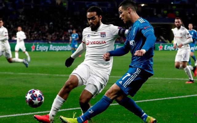 Olympique de Lyon sorprende a Juventus en la ida - Olympique Lyon vs Juventus. Foto de EFE