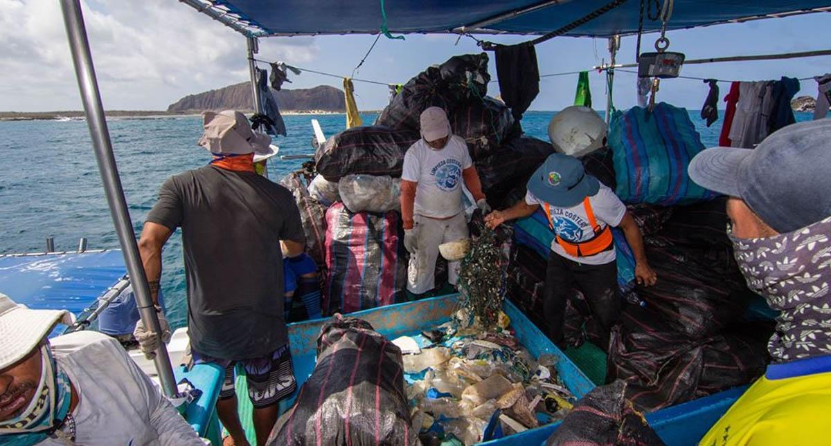 Parque Galápagos islas basura limpieza 2