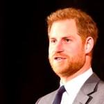 Cortesanos quieren que el príncipe Harry renuncie a su título