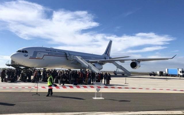Mexicanos procedentes de Wuhan concluyen cuarentena en Francia; regresarán a México - Retorno a Europa de personas de 30 nacionalidades desde Wuhan, China, realizado por el Gobierno de Francia. Foto de @francediplo_ES
