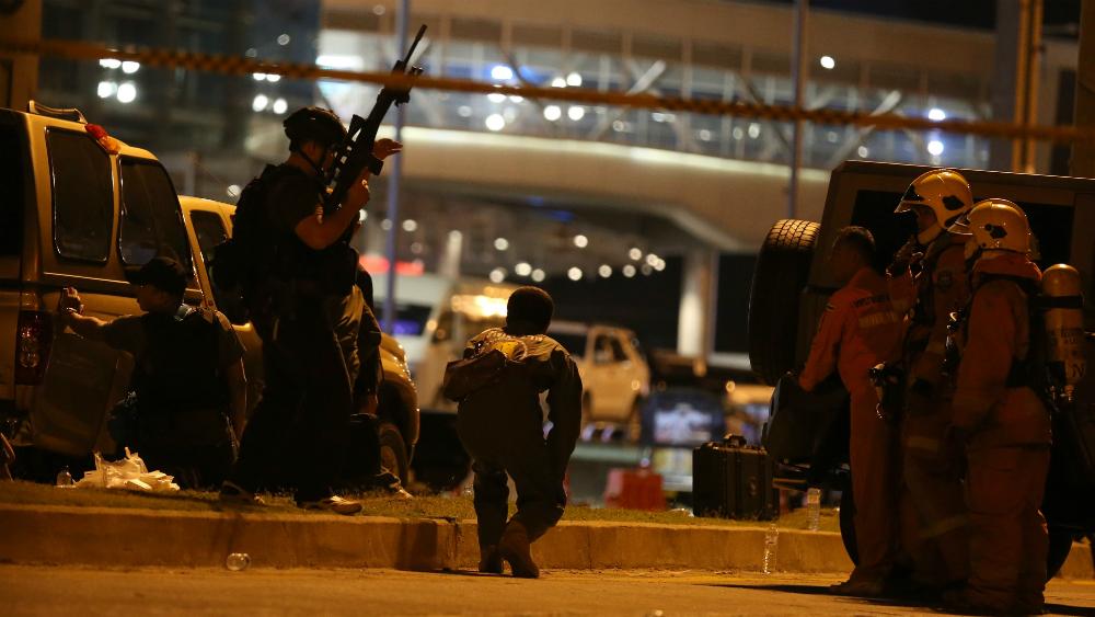 Policía abate a tiros al soldado que mató a 25 personas en Tailandia - Foto de EFE