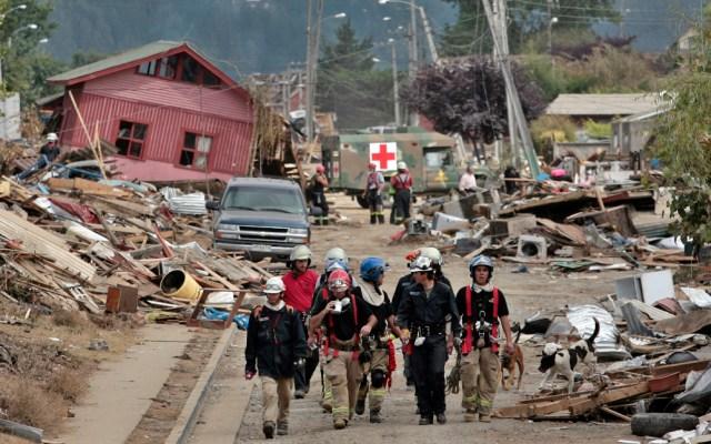 Chilenos recuerdan terremoto de magnitud 8.8 a diez años de haber sacudido al país - Chilenos recuerdan con claridad qué estaban haciendo el 27 de febrero de 2010 a las 3:34 h (hora local), momento en el que el