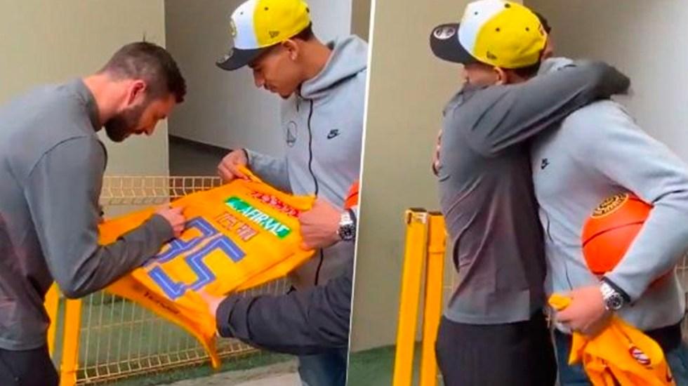 #Video Gignac regala playera de Tigres a Juan Toscano - Gignac le regala una playera de Tigres a Juan Toscano