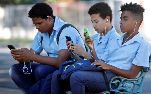 Vinculan uso de celulares y redes sociales a problemas mentales juveniles - Vinculan uso de celulares y redes sociales con problemas mentales juveniles