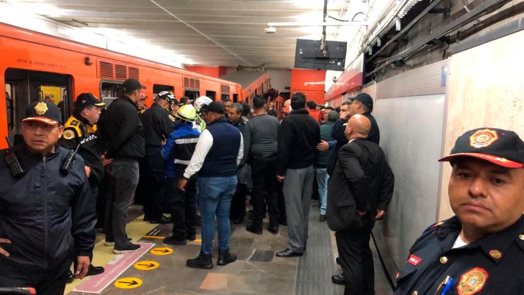 Así fue el choque de trenes en Metro Tacubaya, de acuerdo con testigos - Foto de @CruzRoja_CDMX