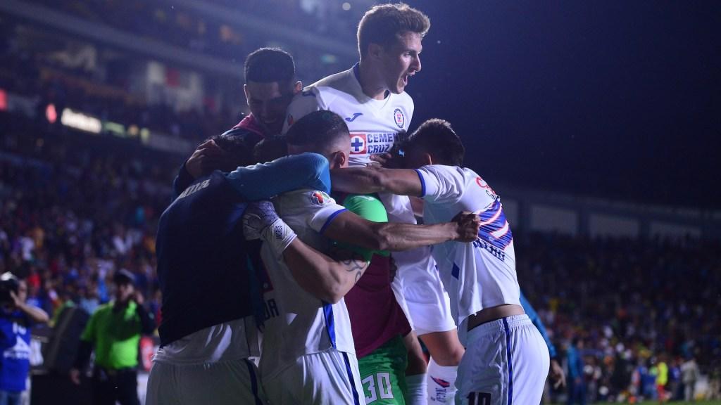 Volveremos para conseguir la novena estrella, asegura técnico de Cruz Azul - Cruz Azul en el triunfo contra Morelia. Foto de Mexsport.