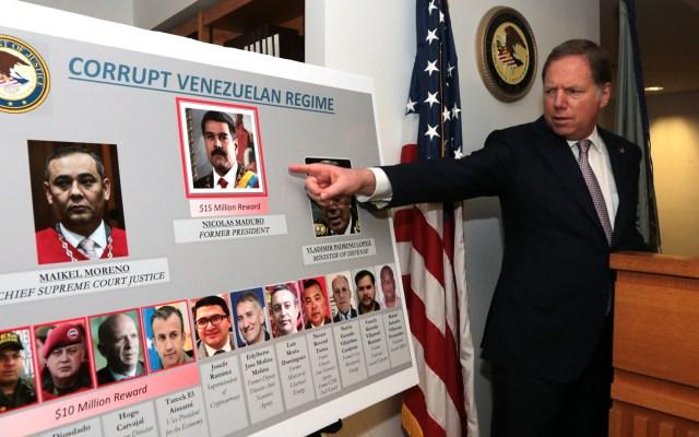 EE.UU. prevé que entorno de Maduro 'lo traicione' ante acusación de narcoterrorismo - La administración de Donald Trump acusó a Nicolás Maduro y miembros de su círculo íntimo, por convertir a Venezuela en una empresa criminal al servicio de narcotraficantes y grupos terroristas. Foto de @SDNYnews
