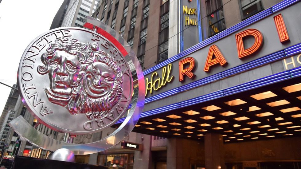 Posponen Premios Tony por pandemia COVID-19 - Galardón de los Premios Tony. Foto de tonyawards.com