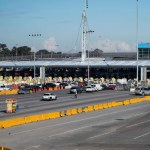 Ampliarán hasta octubre restricciones en frontera entre EE.UU. y México