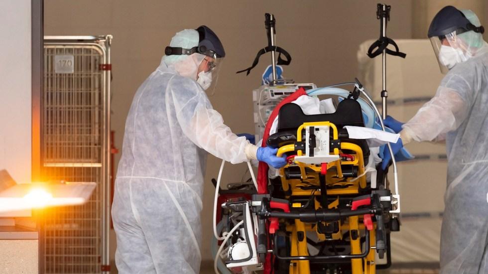 Italia supera los 8 mil muertos por COVID-19; alertan de subida de contagios - Tratamiento de pacientes con coronavirus. Foto de EFE.