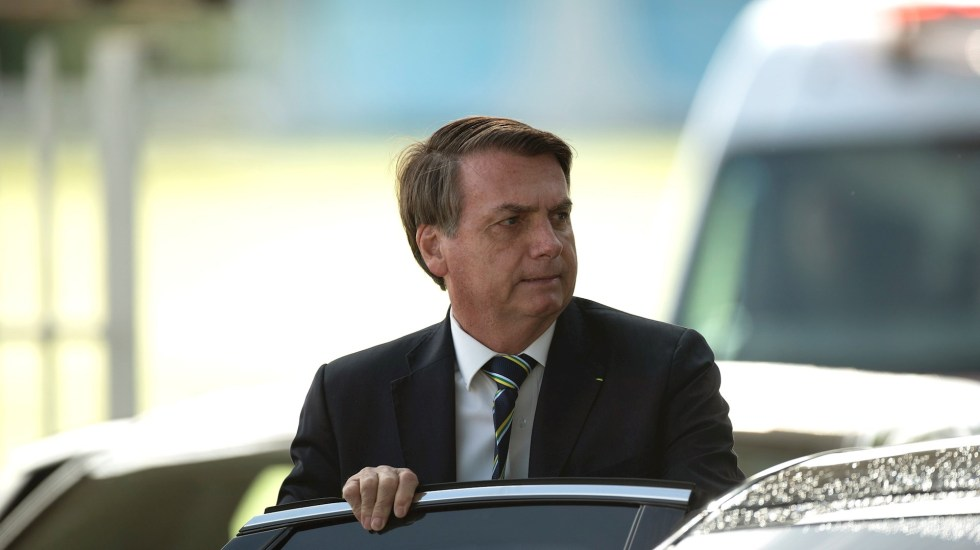 Bolsonaro pasea por Brasilia pese a recomendaciones sanitarias - Jair Bolsonaro Brasil presidente