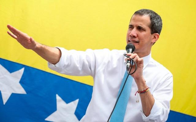 """Guaidó agradece a EE.UU. respaldo para formar """"gobierno de emergencia"""" - Foto de EFE"""