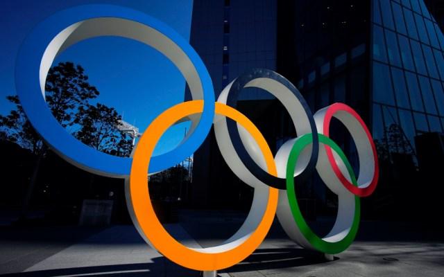 Tokio 2020 ofrece un mensaje de esperanza a un año del comienzo de los Juegos Olímpicos - Aros olímpicos. Foto de EFE