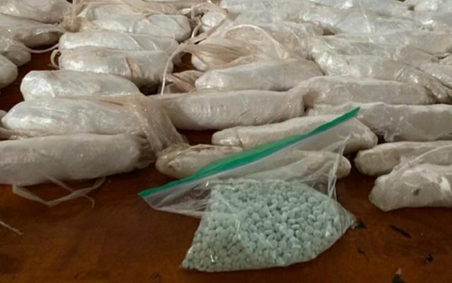 Vinculan a proceso a sujeto por transporte de drogas en Sonora - Metanfetamina y fentanilo decomisados a sujeto en Sonora. Foto de FGR