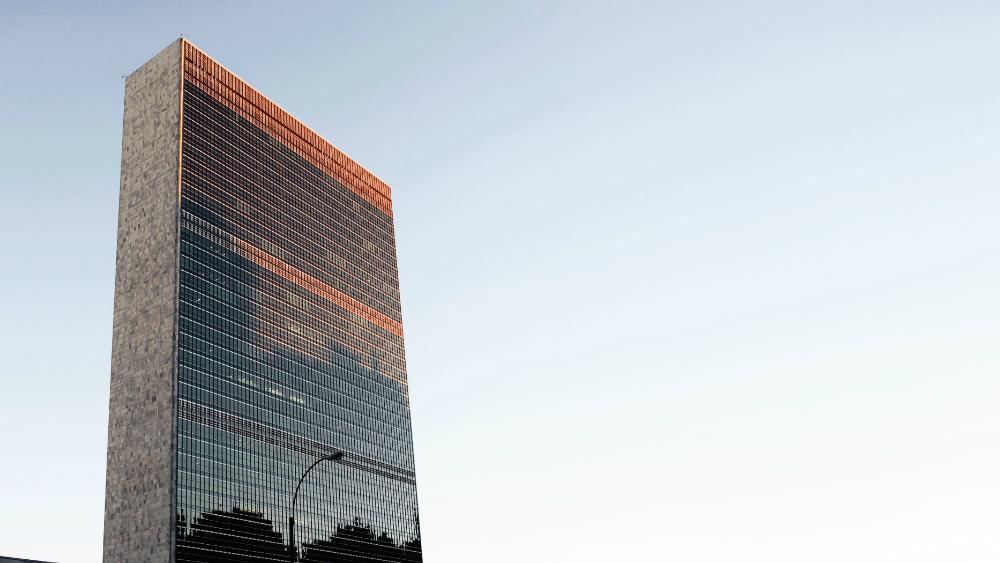 ONU pide un alto al fuego mundial por COVID-19 - Edificio de Naciones Unidas en Nueva York. Foto de Daryan Shamkhali para Unsplash