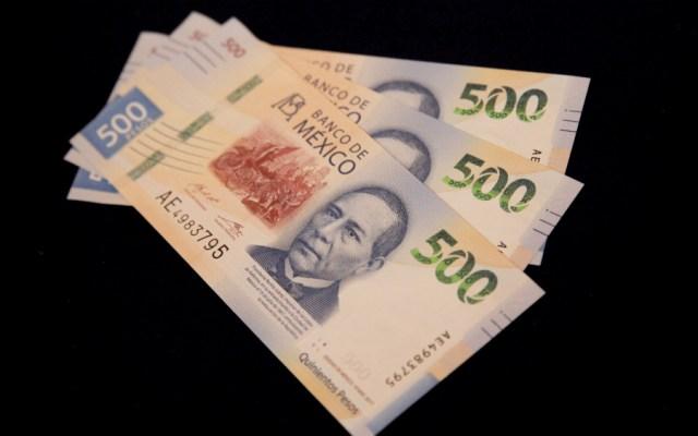 Obtendría gobierno 3 mmdp por disminución de sueldos y aguinaldos, asevera AMLO - Foto de EFE
