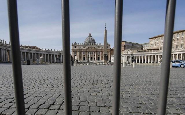 Vaticano cierra a turistas la plaza y Basílica de San Pedro por COVID-19 - A través de un comunicado, el Vaticano informó han sido adoptadas dichas medidas para contener la difusión del cornavirus hasta el 3 de abril