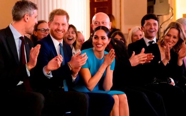 Meghan Markle y Harry regresan a Reino Unido para premiación - Príncipe Harry y Meghan Markle en los Premios Endeavour. Foto de @EndeavourFund