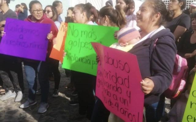 Suspenden a docente en Querétaro por intentar realizar exorcismo a alumno - Foto de Magazine TV