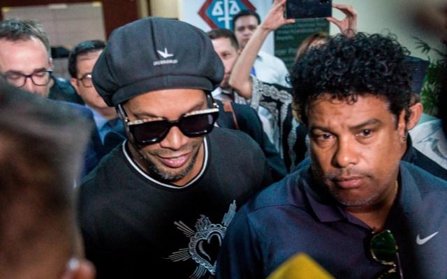 Detienen a dos presuntas implicadas en caso Ronaldinho en Paraguay - Detienen a dos mujeres implicadas en caso Ronaldinho en Paraguay