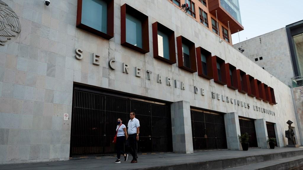 Denuncian eliminación de posibilidad de trasladar cenizas de mexicanos que mueren en el extranjero - SRE Secretaría de Relaciones Exteriores cancillería visas