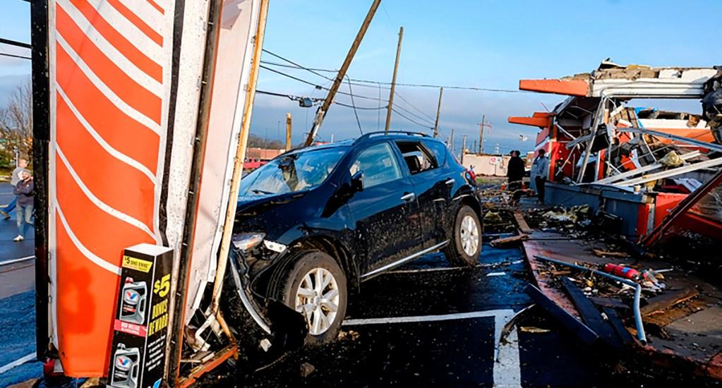 Tormenta con tornados en Tennessee deja al menos 19 muertos - Dos de los muertos se reportaron en Nashville, donde los tornados sorprendieron en horas de la madrugada y provocaron el derrumbe de al menos 40 estructuras