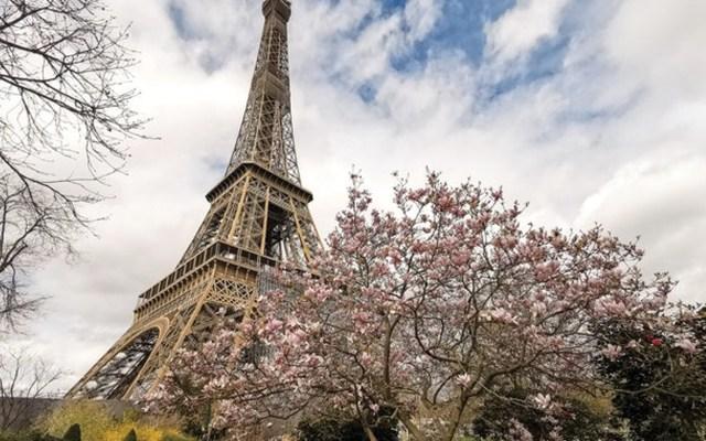 La torre Eiffel, Louvre y Versalles cierran por pandemia de COVID-19 - Foto de EFE