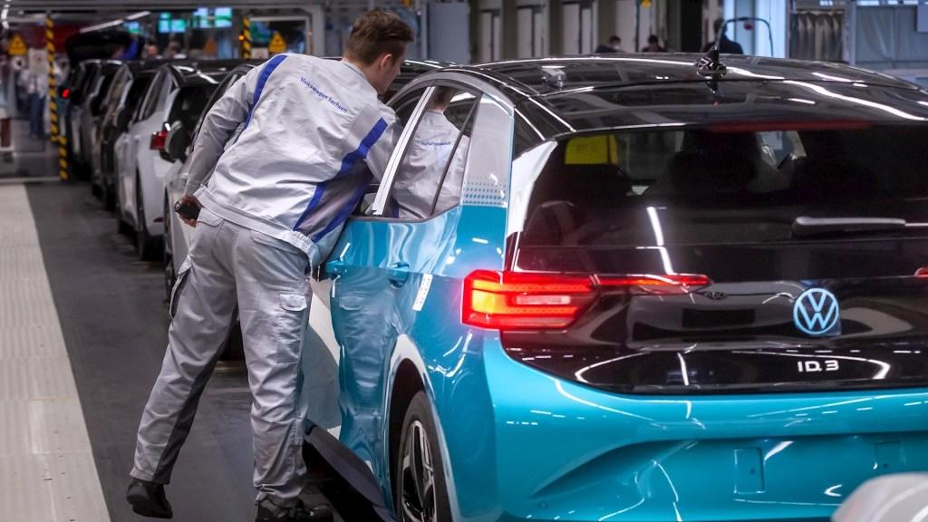 Volkswagen anuncia cierre de fábricas europeas por COVID-19 - Volkswagen anuncia cierre de fábricas europeas por COVID-19