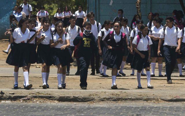 Reanudan clases en Nicaragua en medio de la pandemia de COVID-19 - En Nicaragua, las clases en las escuelas públicas de primaria y secundaria, así como en las universidades estatales, se reanudaron este lunes