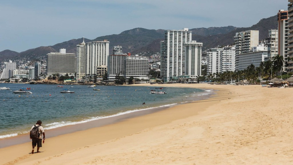Prevén caída de 10 por ciento en PIB turístico de México - Acapulco Guerrero Playas covid-19 coronavirus contingencia