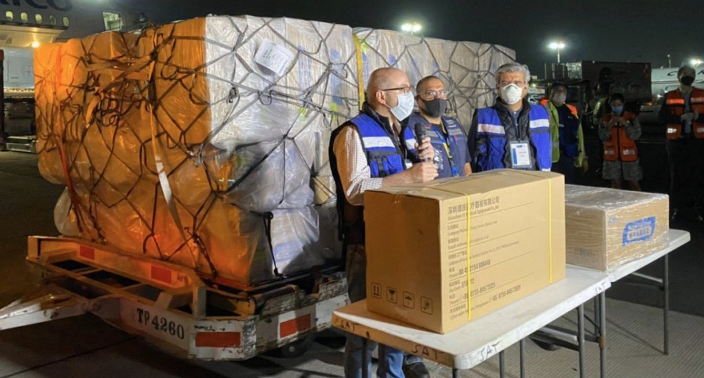 INAI advierte poca transparencia en compra de insumos para atención a COVID-19 - Aeroméxico quinto vuelo insumos médicos COVID