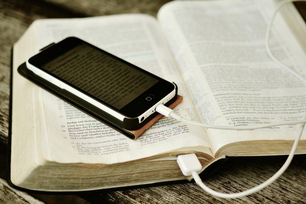La importancia de leer en el confinamiento - Foto de Pixabay.