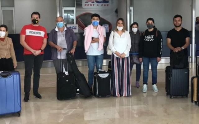Llegan a Cancún 40 mexicanos que se encontraban varados en Colombia - Foto de SRE