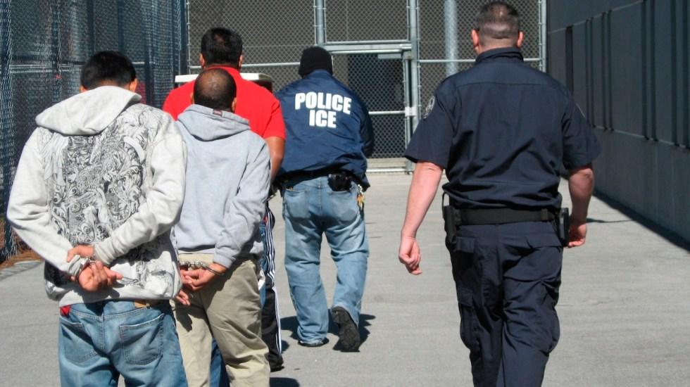 HRW acusa a EE.UU. de poner en riesgo de contagio de COVID-19 a migrantes - Foto de EFE