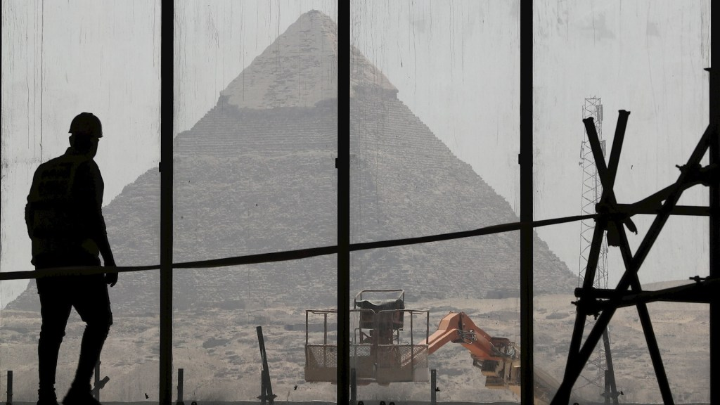 Egipto ingresará 5 mmdd menos en turismo por COVID-19 - Egipto pirámides museo 2021